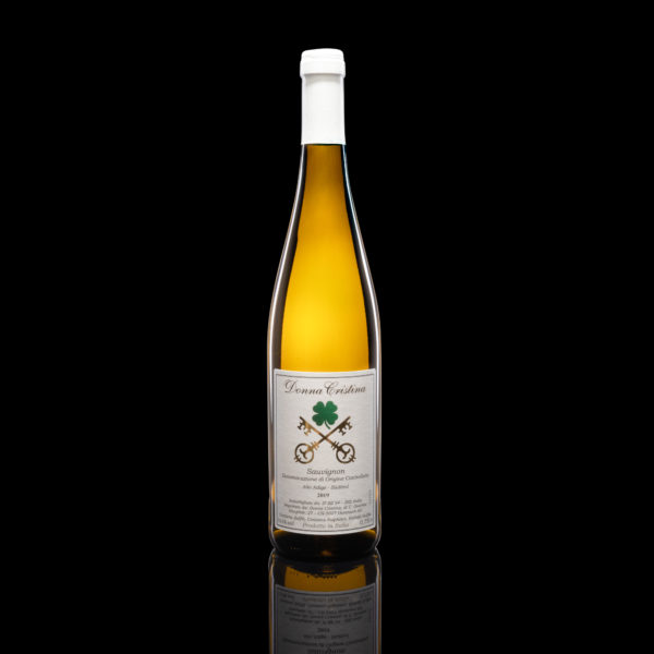Sauvignon D.O.C. Straw-colored with greenish reflections, delicate perfume of acacia flowers and a lime note. Fresh and delicate on the palate, well round with a blackcurrant and nettle after-taste Listen to the description